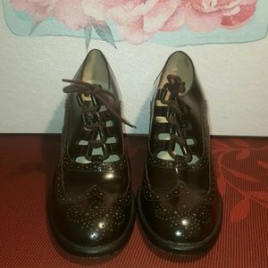 Kenneth Cole Oxford Style Heels